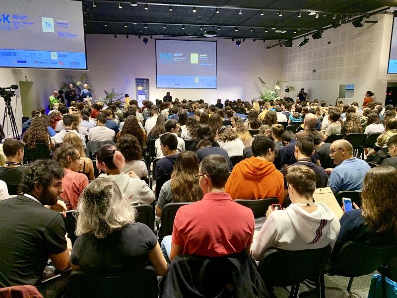 Encuentro con jóvenes en el Museo Eureka de Donostia, dentro del festival Passion For Knowledge. Foto: Gobierno vasco