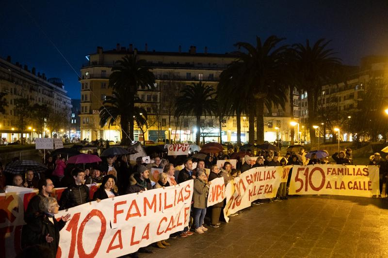 Manifestación hoy en Benta Berri a favor del derecho a la vivienda. Fotos: Santiago Farizano