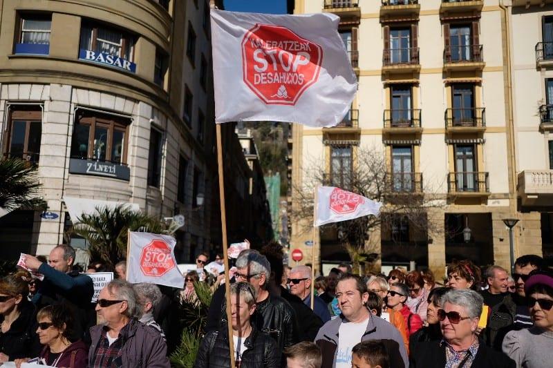 Movilización el pasado 15 de febrero en Ijentea por la irrupción del fondo buitre Azora. Foto: Santiago Farizano