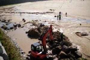 2020 0224 12374100 800x533 1 300x200 - Albaola busca los restos de un barco en la playa de la Concha