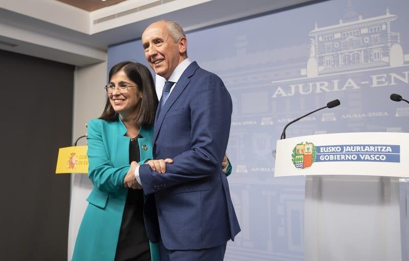 La Ministra Carolina Darias con Erkoreka. Foto: Gobierno vasco