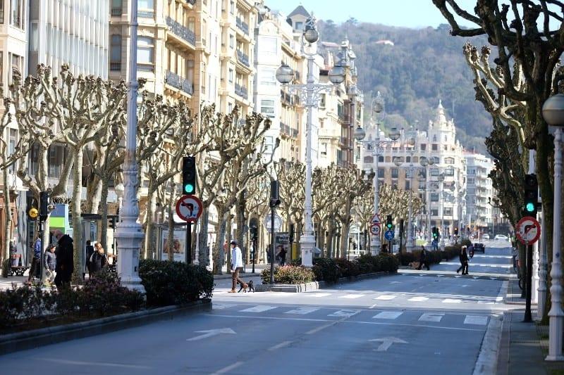 La Avenida de la Libertad, apenas transitada. Foto: Santiago Farizano