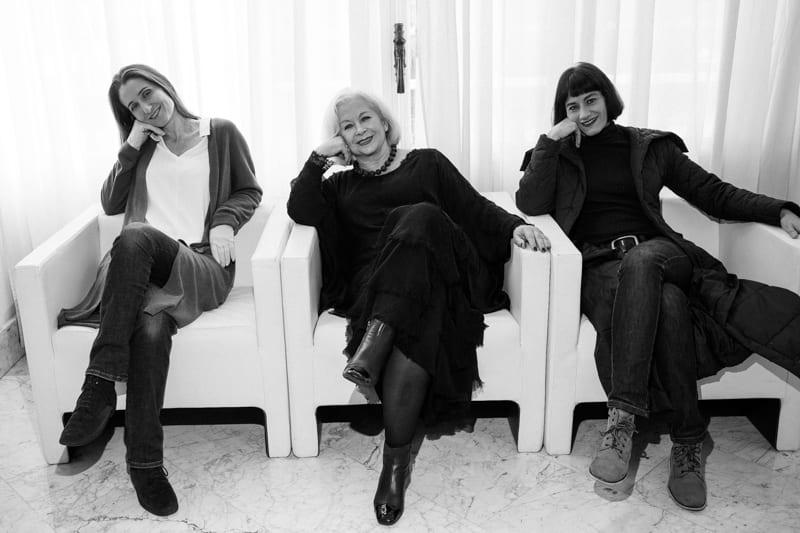 "Irina Kouberskaya, Rocío Osuna y Catarina de Azcárate, ""Amiga"". Foto: Santiago Farizano"
