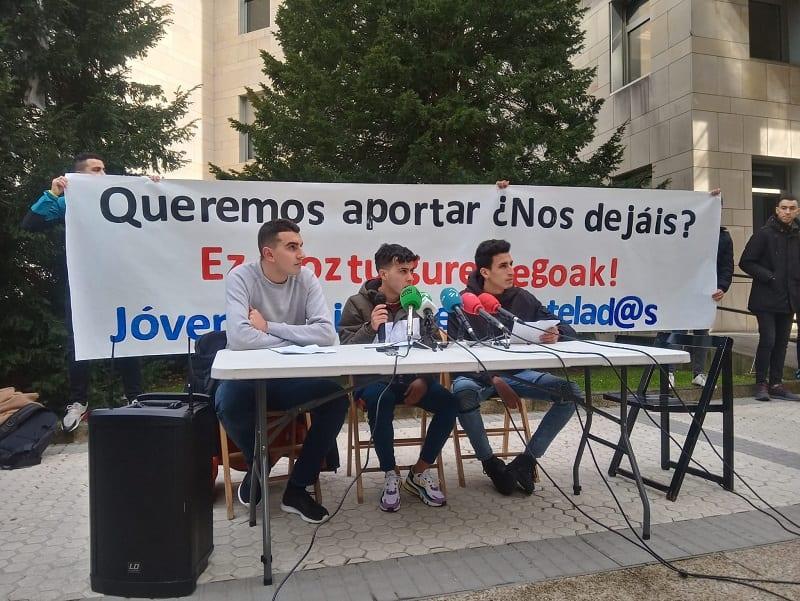 Jóvenes ex tutelados por la Diputación. Foto: Donostitik