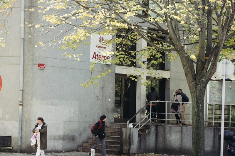 Aterpe de Caritas en Amara Berri. Foto: Santiago Farizano