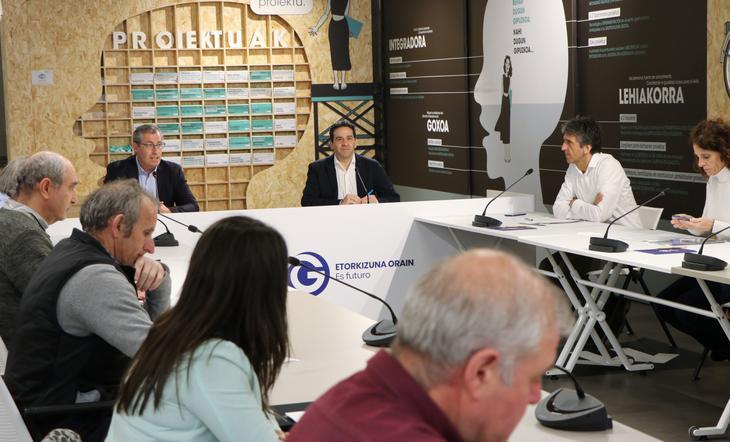 Reunión de trabajo, Markel Olano. Foto: Diputación Foral de Gipuzkoa