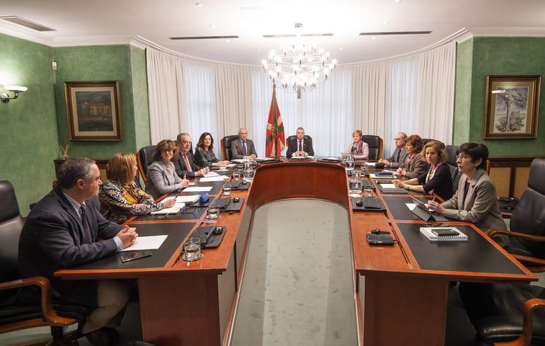 Gobierno vasco reunido hoy.