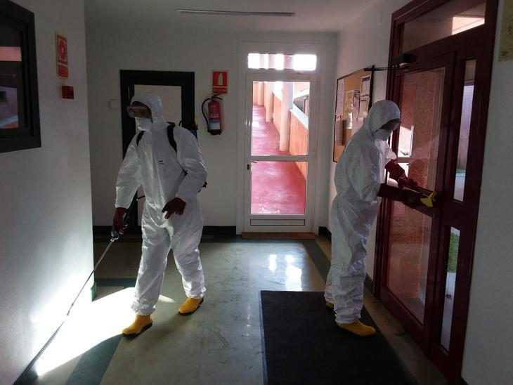 Desinfección en las residencias. Foto: Diputación