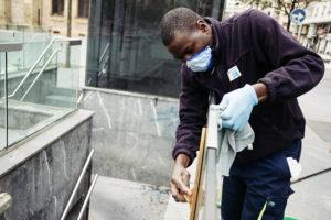 DSCF3696 800 300x200 - 30 de abril/11.24 Doble agradecimiento para quienes limpian por donde pasamos