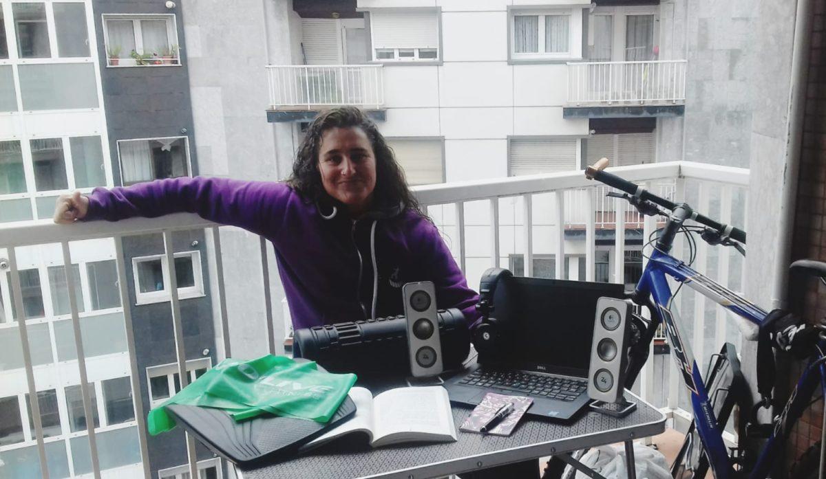 Yovana trasladada a su balcón. Foto: Y.C