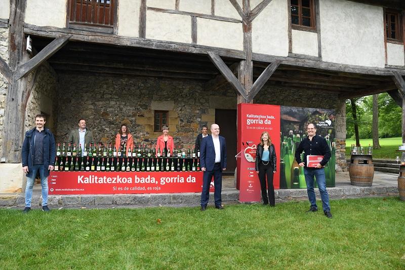 Presentación de la sidra en botella hoy en Chillida Leku. Foto: Euskal Sagardoa