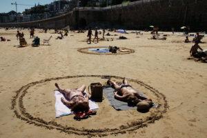 DSCF2953 300x200 - Círculos en la arena del verano donostiarra
