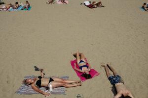 DSCF3385 300x200 - Círculos en la arena del verano donostiarra