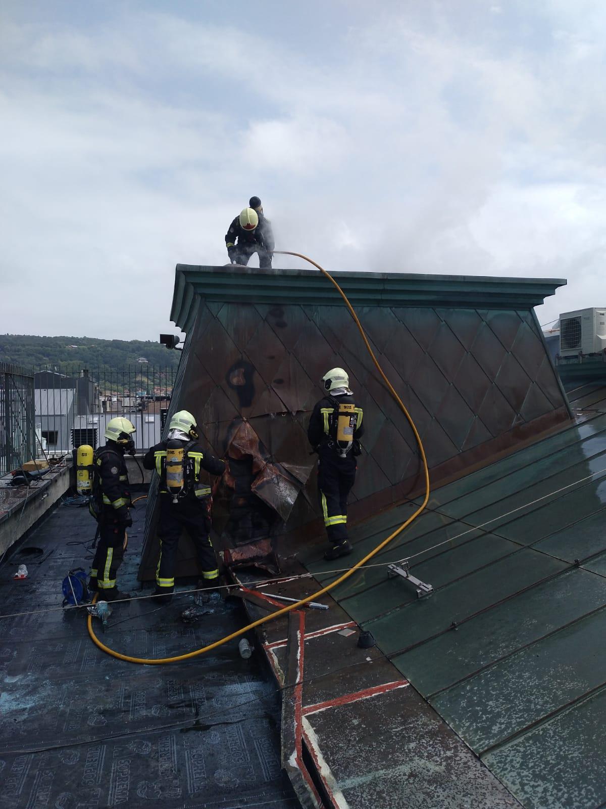 Pequeño fuego en San Marcial. Foto: Bomberos de Euskadi