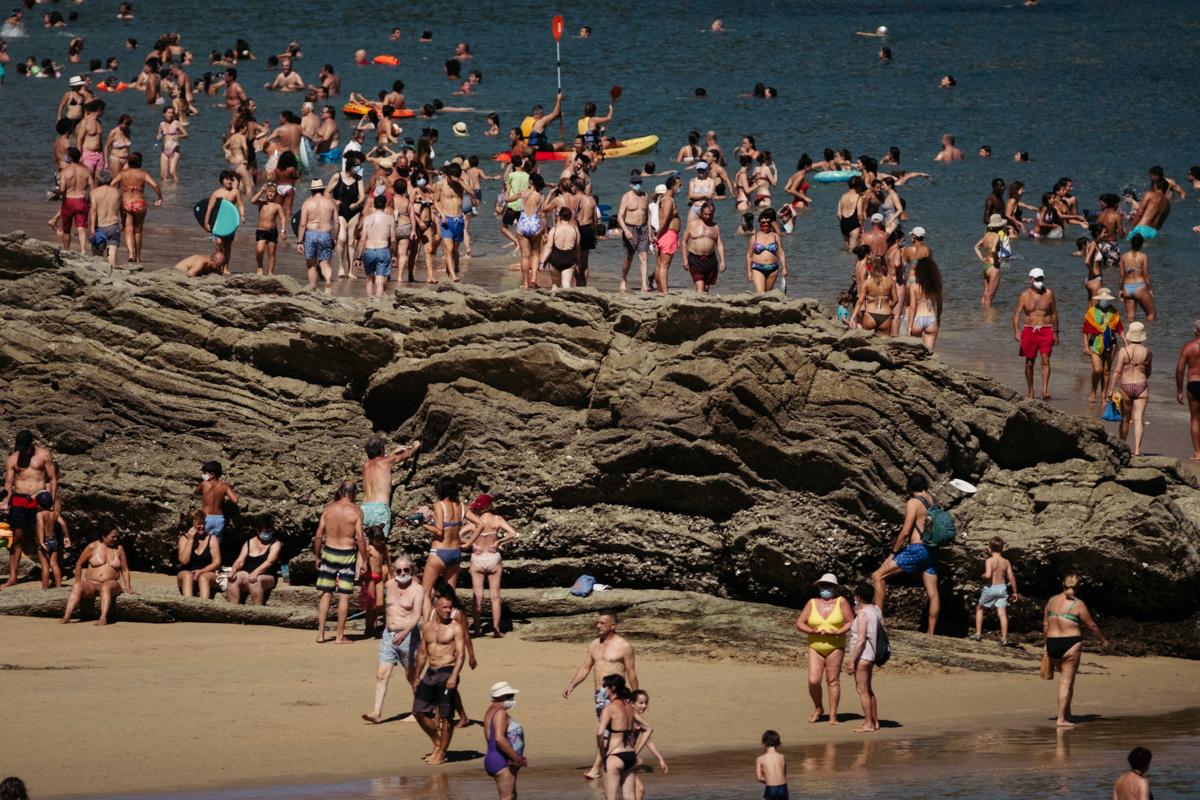 Turistas en Donostia. Foto: Santiago Farizano