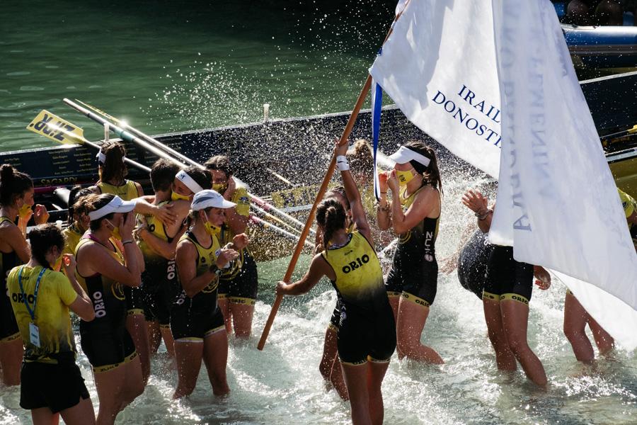 DSCF1526 - Bandera de la Concha: Triunfo de la tripulación masculina de Hondarribia y la femenina de Orio
