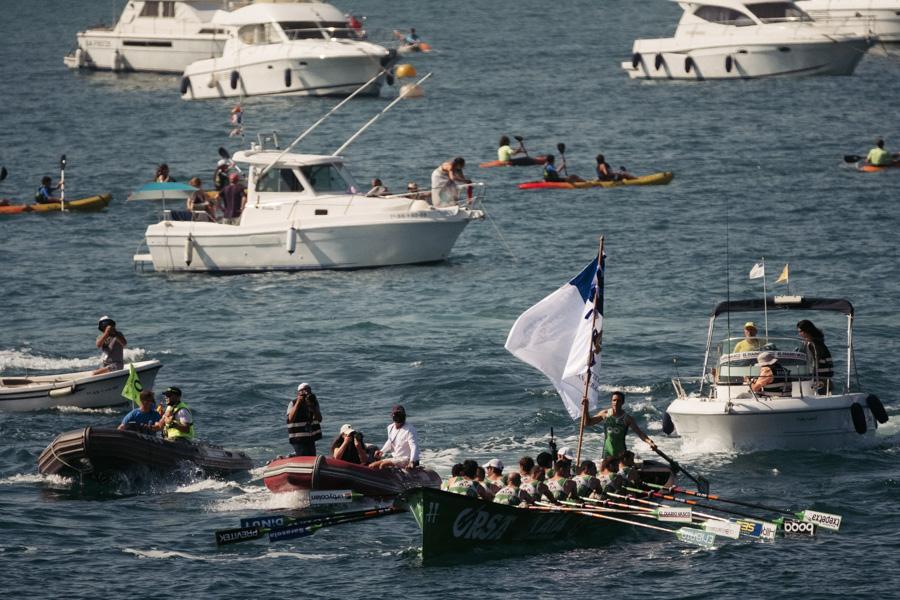DSCF1810 - Bandera de la Concha: Triunfo de la tripulación masculina de Hondarribia y la femenina de Orio