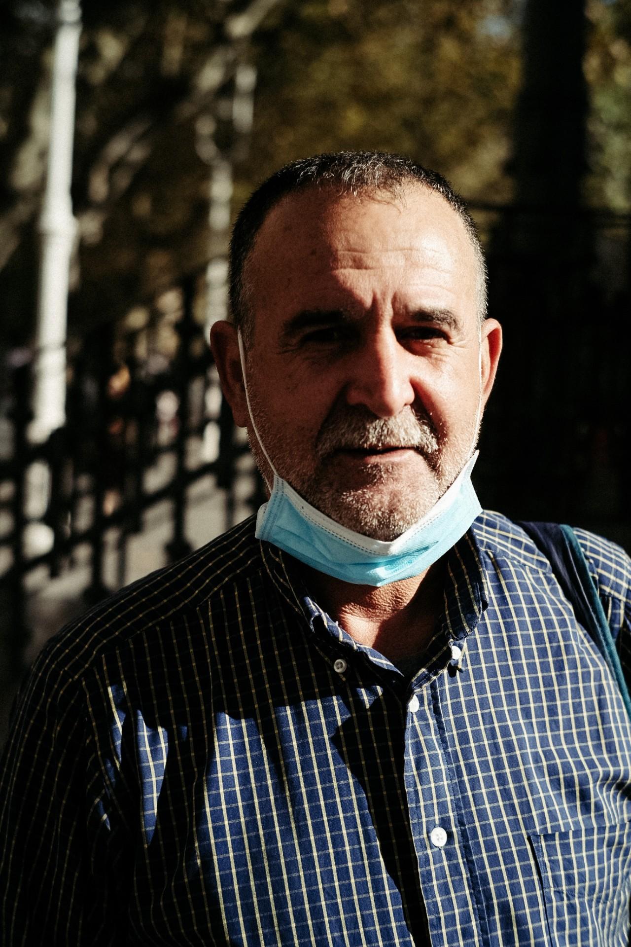 Mohamed Koismi en la manifestación en favor de los desalojados del Infierno. Fotos: Santiago Farizano