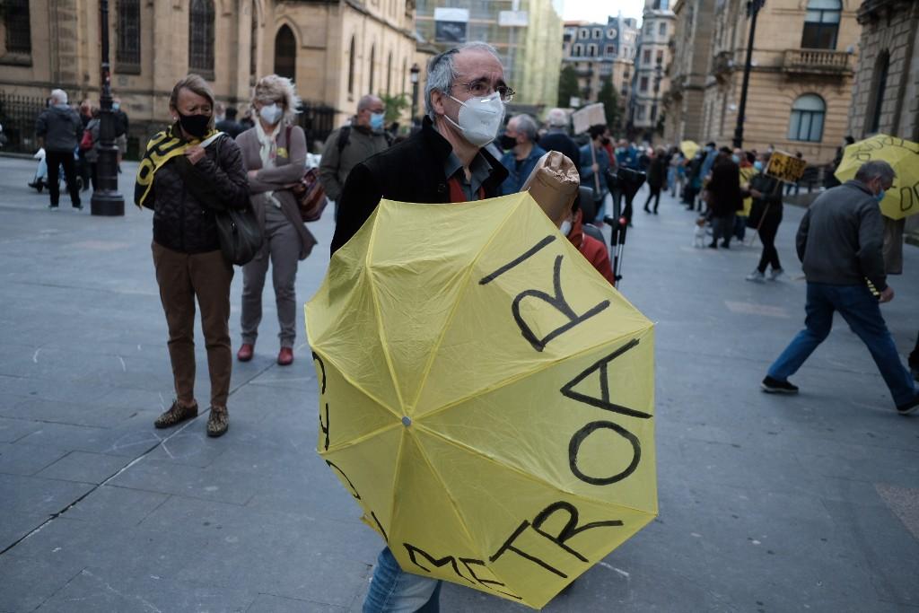Manifestación de Satorralaia este mediodía contra las obras de la pasante del Metro. Fotos: Santiago Farizano