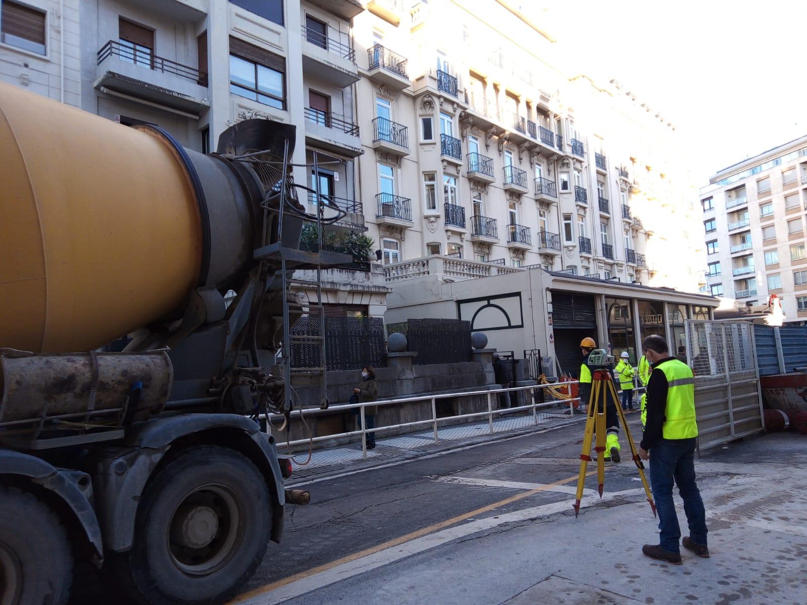 IMG 20201117 WA0011 - Nuevo socavón en la calle Zubieta junto a las obras del Metro