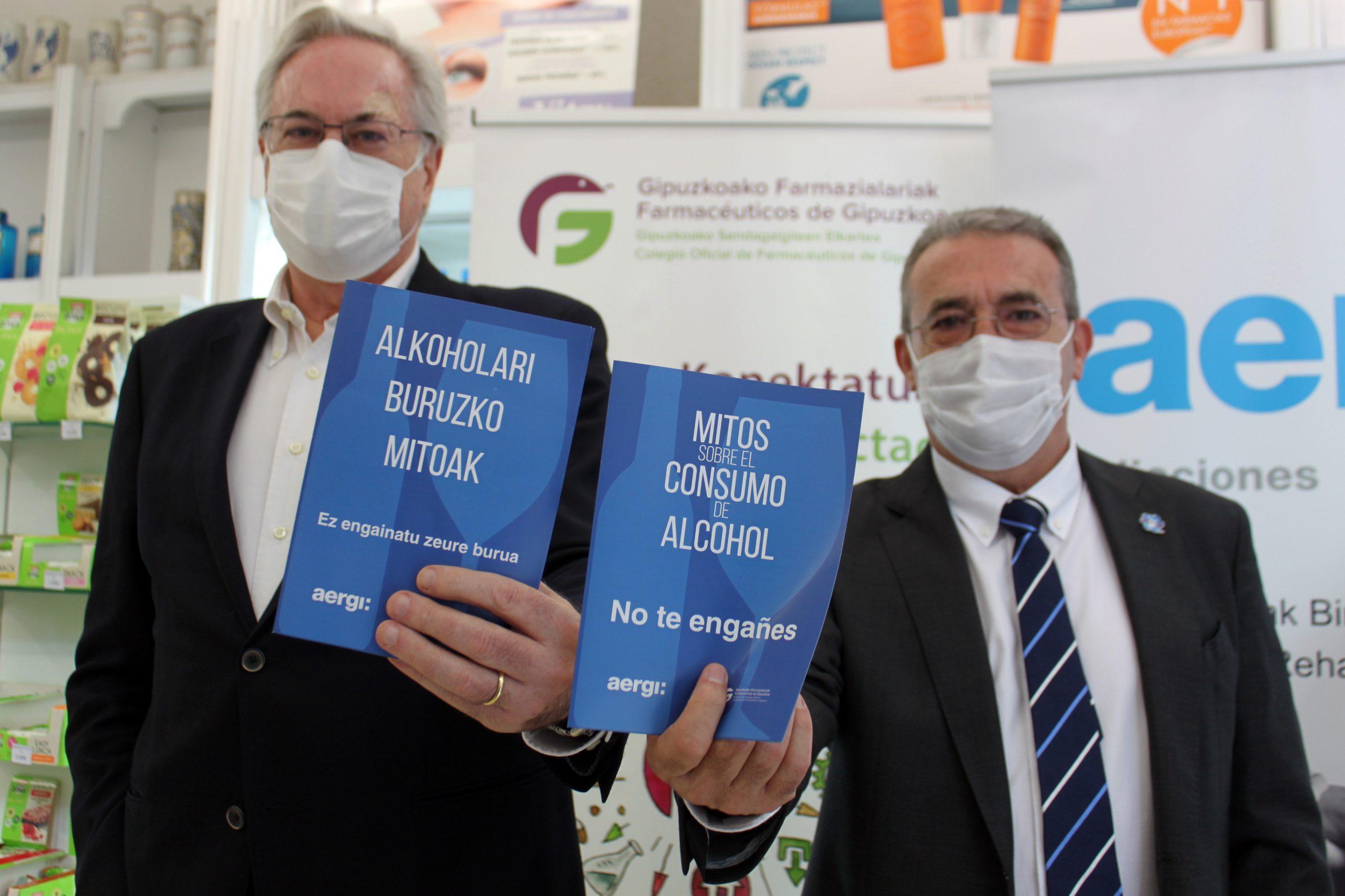 Josean Fernández y Miguel Angel Gastelurrutia con el folleto. Foto: AERGI