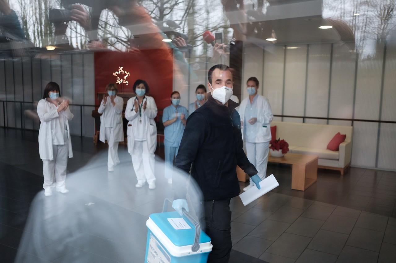 Vacunación en las residencias de Gipuzkoa. Foto: Santiago Farizano