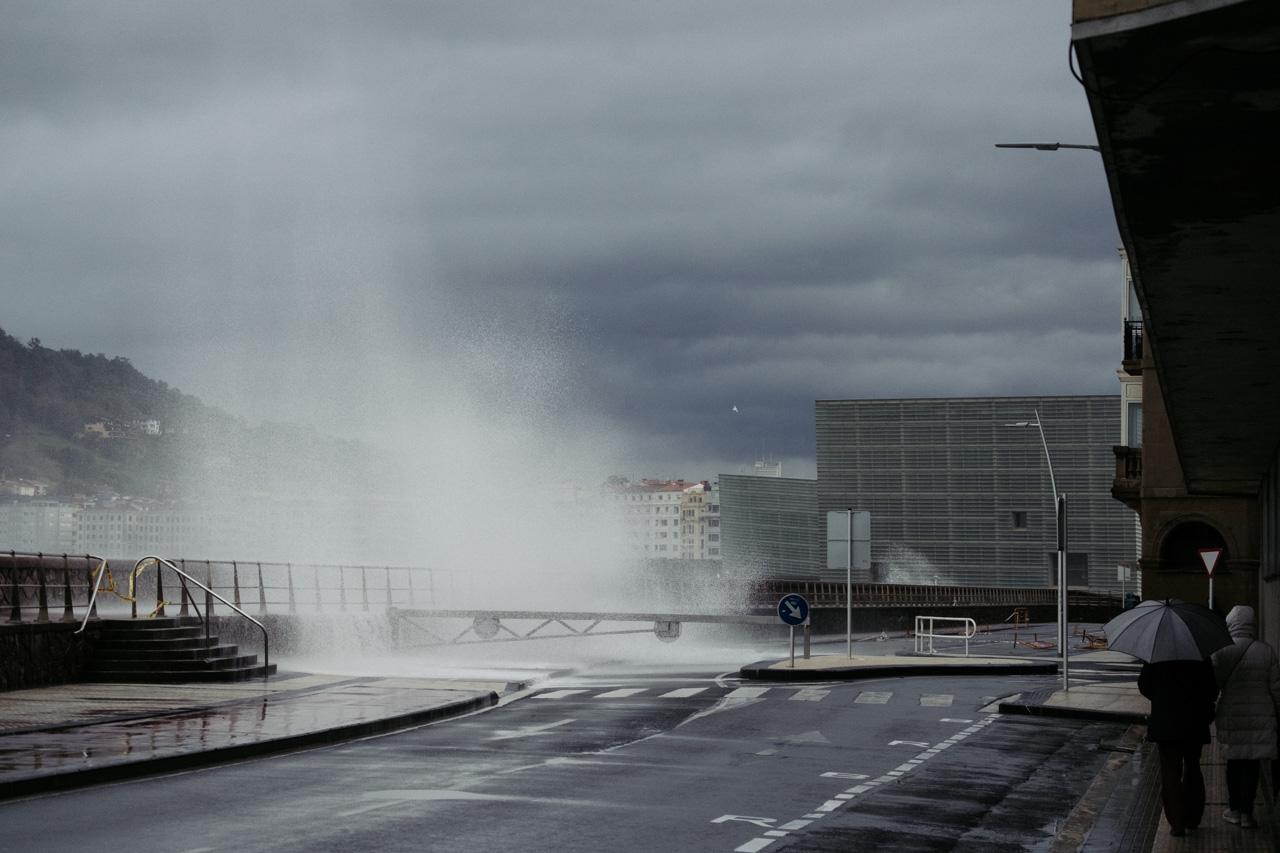 DSCF6243 - Donostia se divierte con las olas de Bella