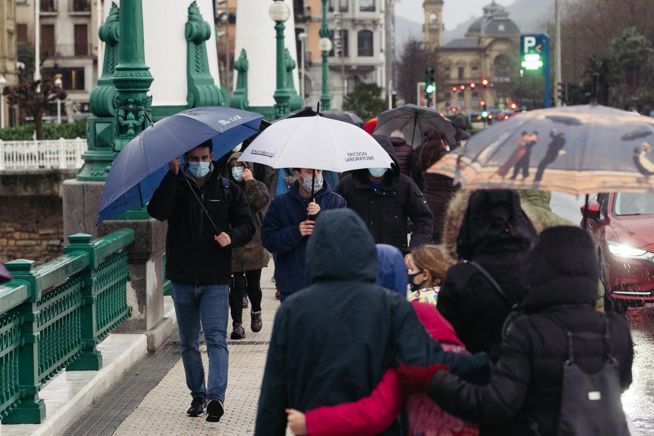 DSCF6370 - Donostia se divierte con las olas de Bella