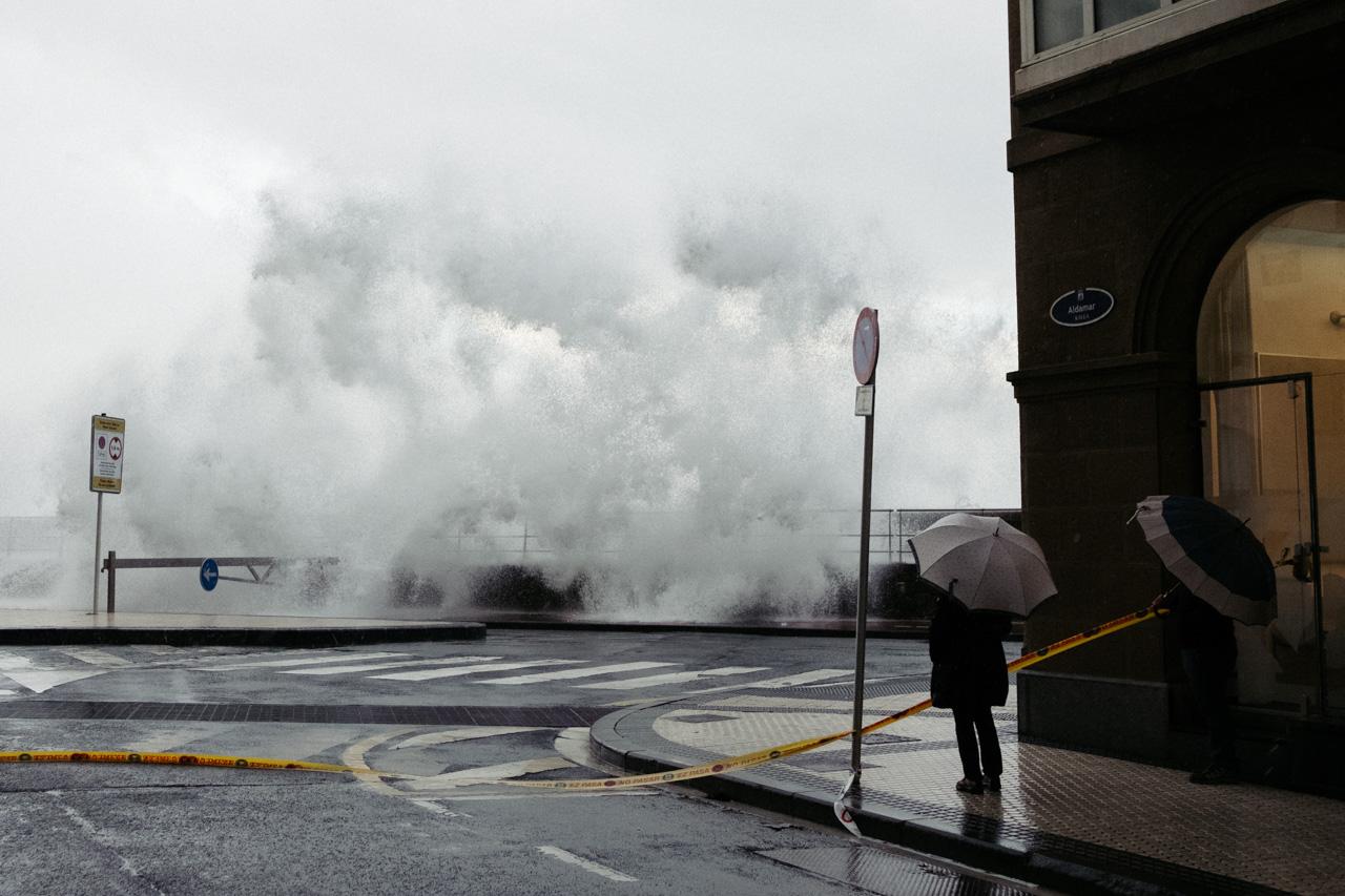 DSCF6492 - Donostia se divierte con las olas de Bella