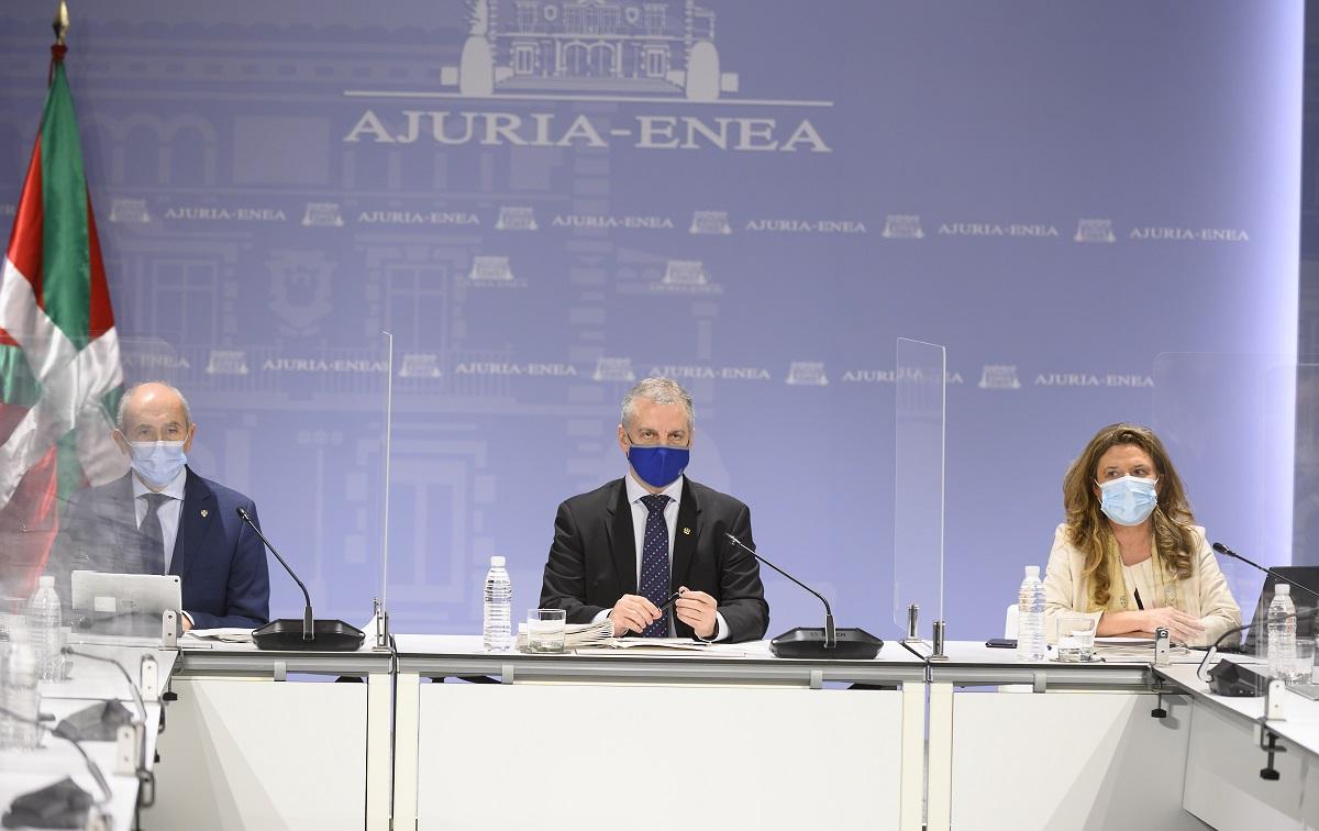 Archivo. El Lehendakari con Erkoreka y Sagardui, durante el encuentro del LABI. Foto: Gobierno vasco