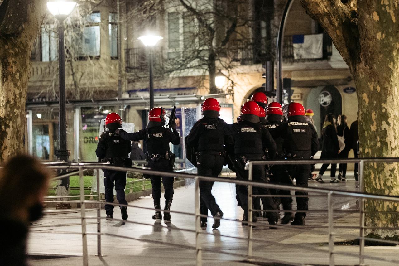 DSCF0895 - Altercados en la Parte Vieja para cerrar un atípico Día de San Sebastián