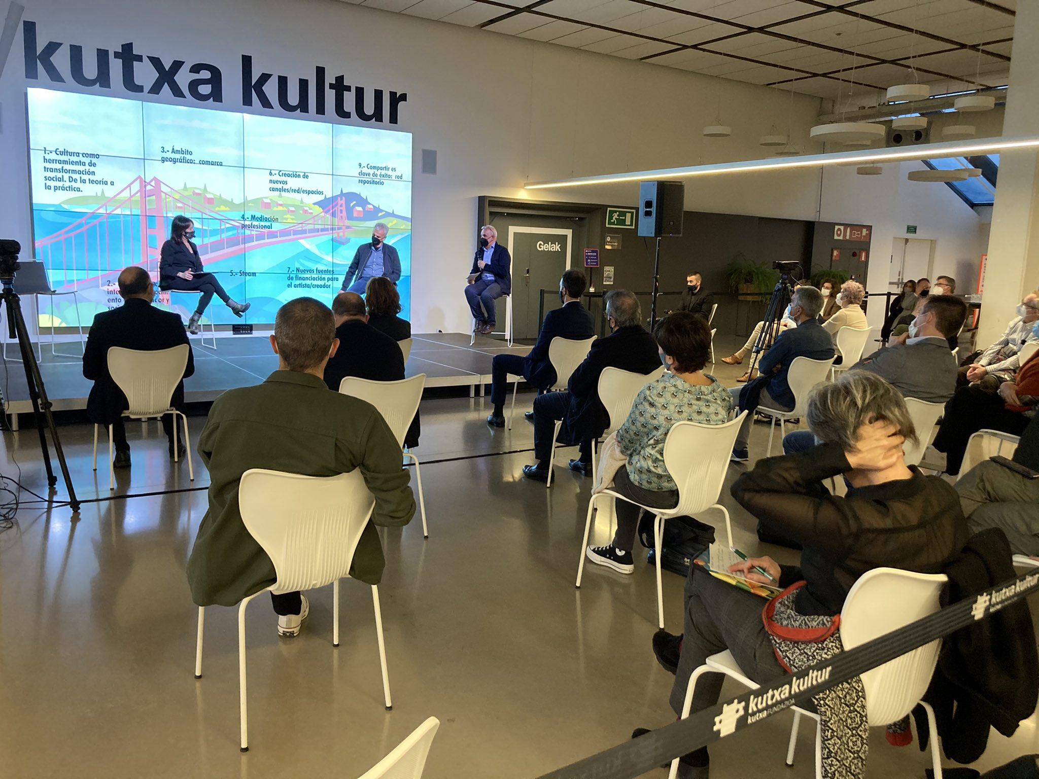 Cierre ayer en Kutxa Kultur de Eta orain zer. Foto: Kutxa Kultur