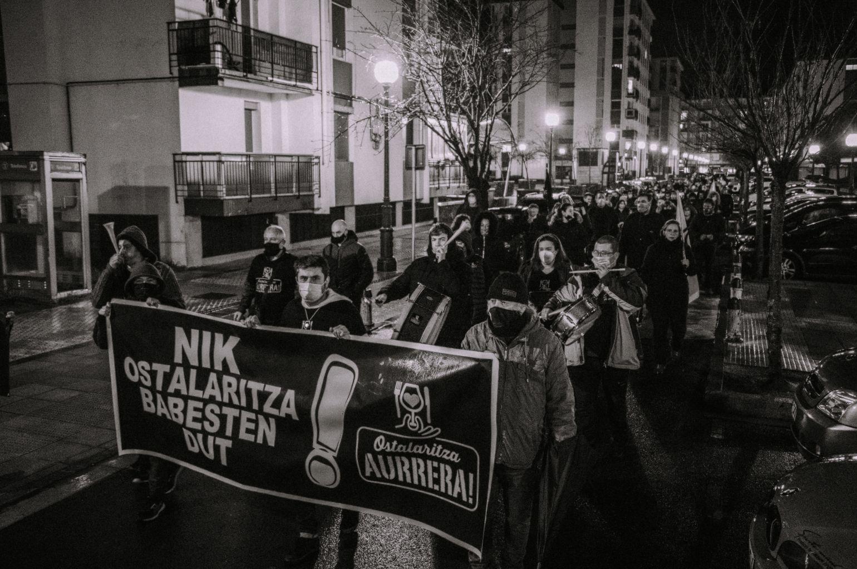 Manifestación ayer en Lasarte-Oria de SOS Ostalaritza. Foto: SOS Ostalaritza