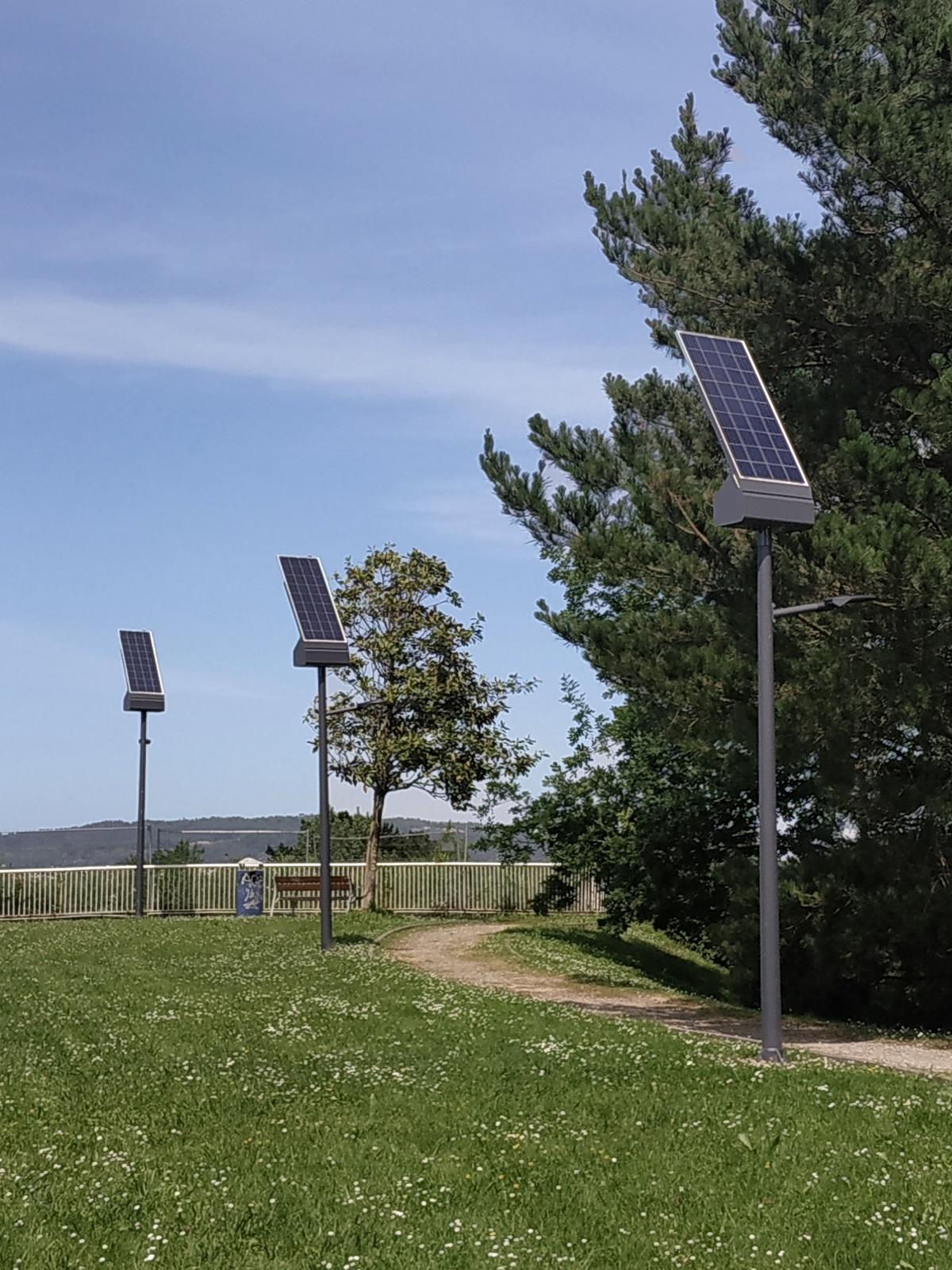 Farolas solares en Miramon. Foto: Ekiona