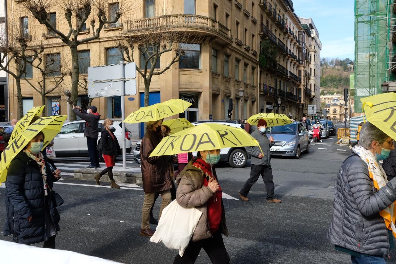 2021 0213 12141900 copy 1280x853 - Los pensionistas vuelven a tomar las calles en Donostia