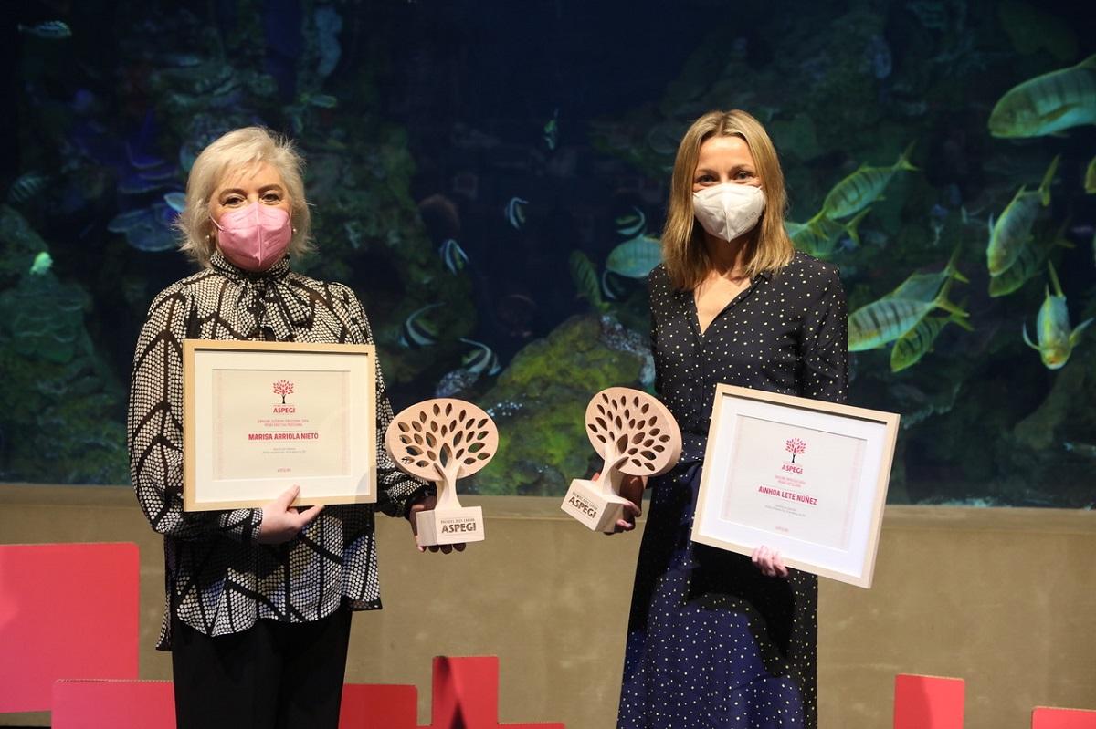 Las premiadas María Luisa Arriola Nieto y Ainhoa Lete Núñez. Foto: Aspegi