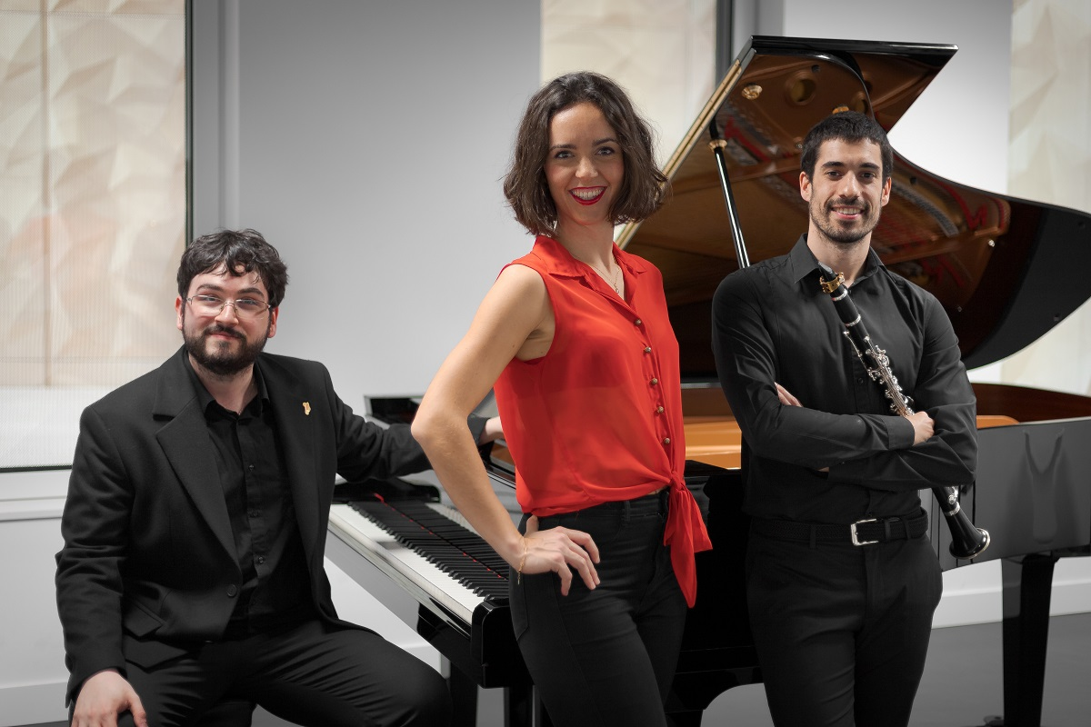 Trío Sostenuto compuesto por Ana Sagastizabal, Aitor Aburto y Pedro Andino. Foto: Pedro Andino