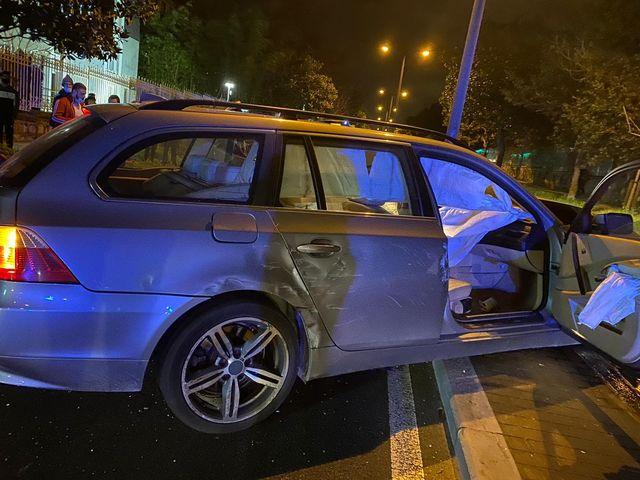 accidente3 - Dos heridos tras un fuerte choque entre dos turismos en Donostia