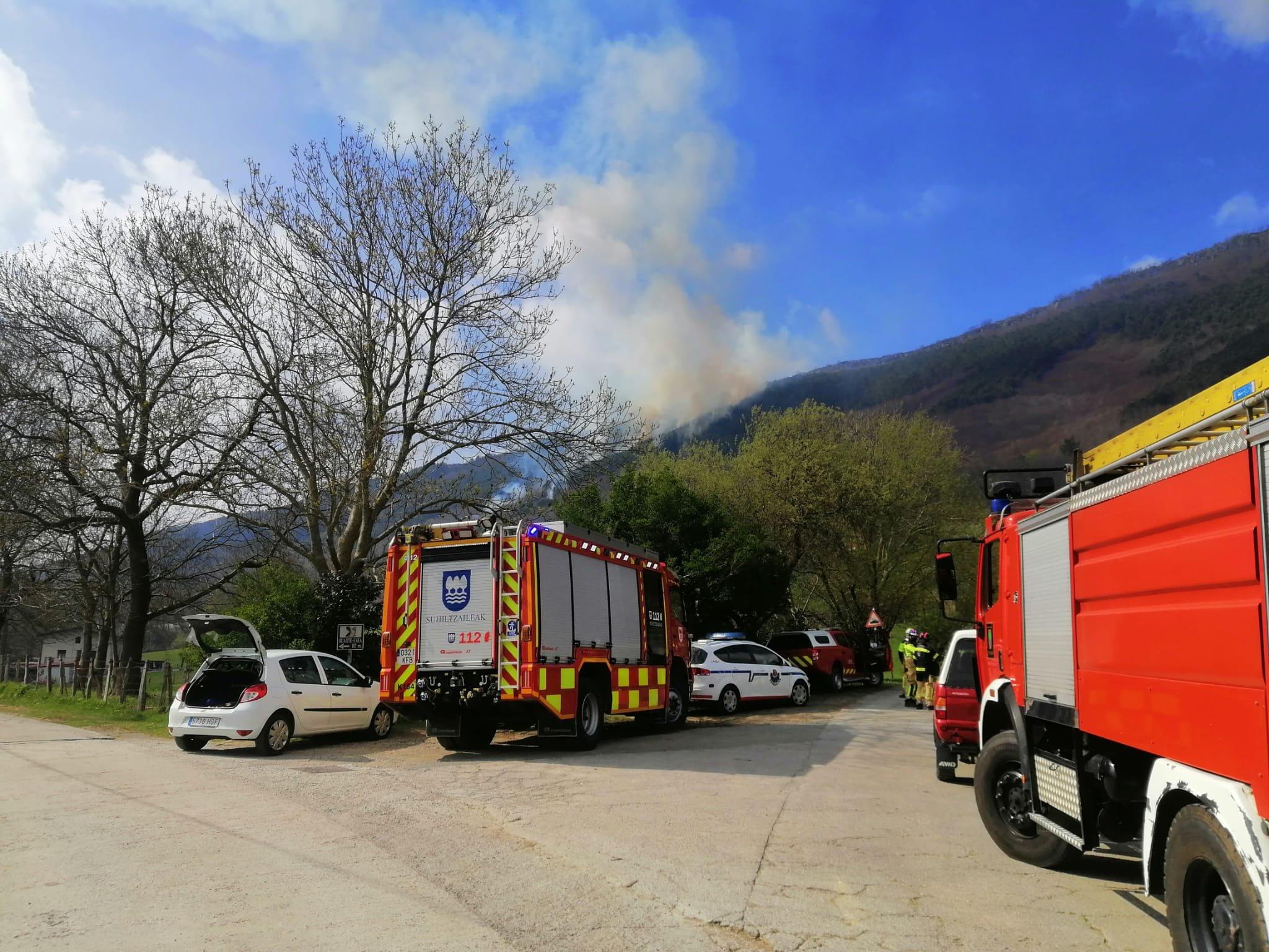 Jaizkibel2 - Sofocado el incendio forestal declarado en el monte Jaizkibel