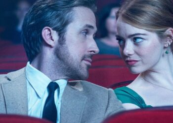 Ryan Gosling y Emma Stone van al cine en 'La La Land', de Damien Chazelle.