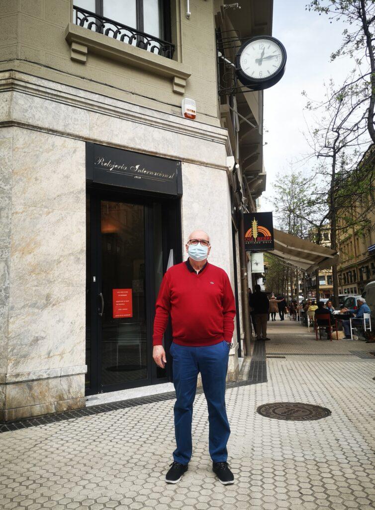 joyeria internacional Fernando sirena 754x1024 - La sirena de la calle Garibai que no cesa