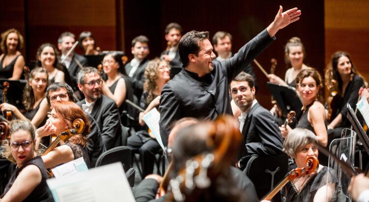 El director de la orquesta, durante un concierto. Foto: Euskadiko Orkestra