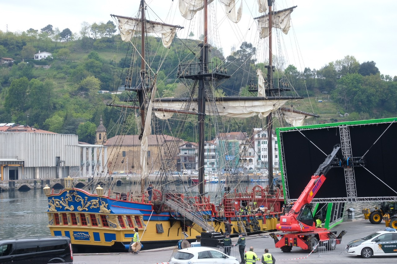 2021 0420 08420400 copy 1280x853 - Aventuras marítimas en Pasaia con Amenábar y 'La fortuna'