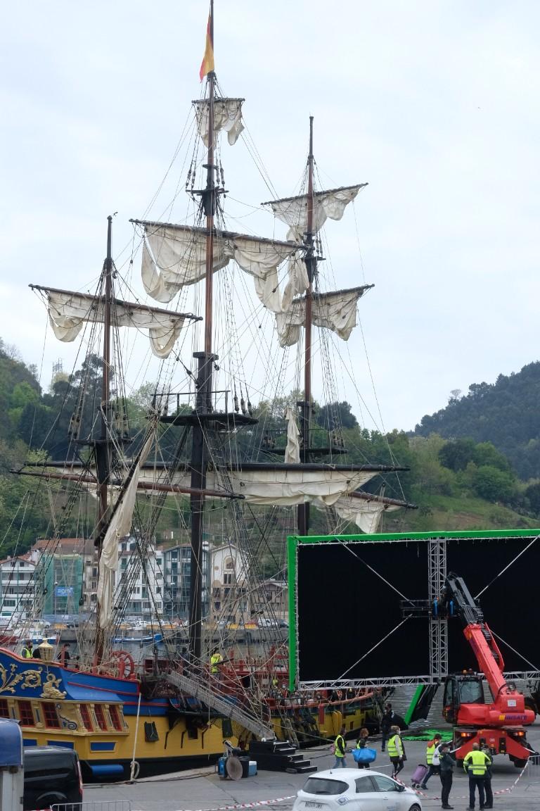 2021 0420 08465500 copy 768x1152 - Aventuras marítimas en Pasaia con Amenábar y 'La fortuna'
