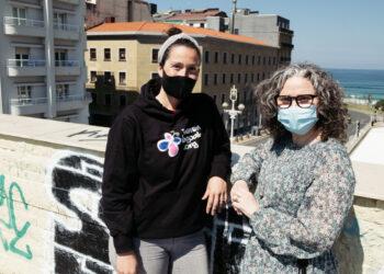 Nora Garay y Yoli Martín, voluntarias de Juneren Hegoak. Foto: Santiago Farizano