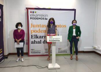 Aitzole Araneta, Ana Viñals y Garbiñe Ruiz. Foto: Elkarrekin Podemos