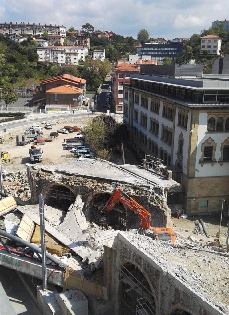 """Iztueta obras viaducto 744x1024 - """"Donostia siempre está en obras"""""""