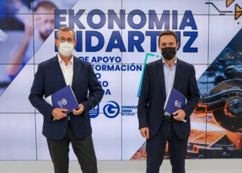 Markel Olano y Jabier Larrañaga. Foto: Diputación