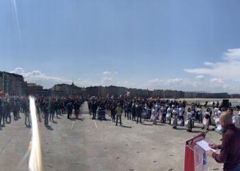 Manifestación en la Zurriola. Foto. Sortu