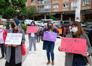 Concentración feminista en Altza. Fotos: Santiago Farizano